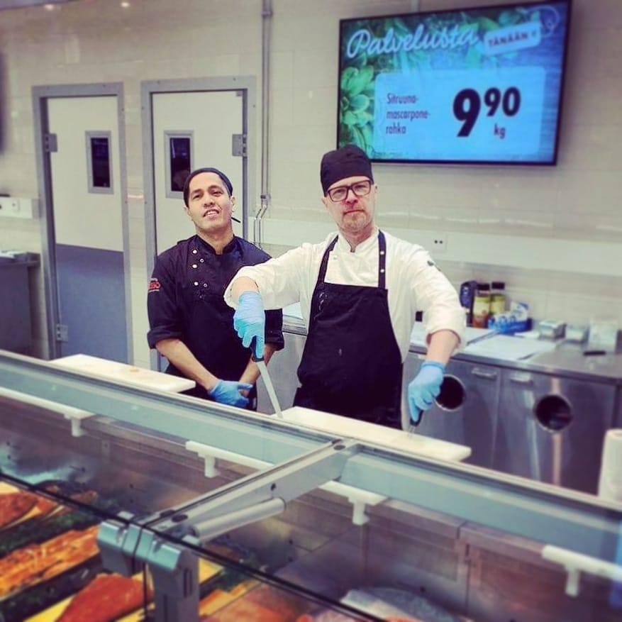 Rovaniemellä keittiöammattilaiset pääsivät työskentelemään Prismojen palvelutoreilla, jossa heidän osaamisestaan ja vinkeistään ovat päässeet nauttimaan sekä asiakkaat, että työkaverit.