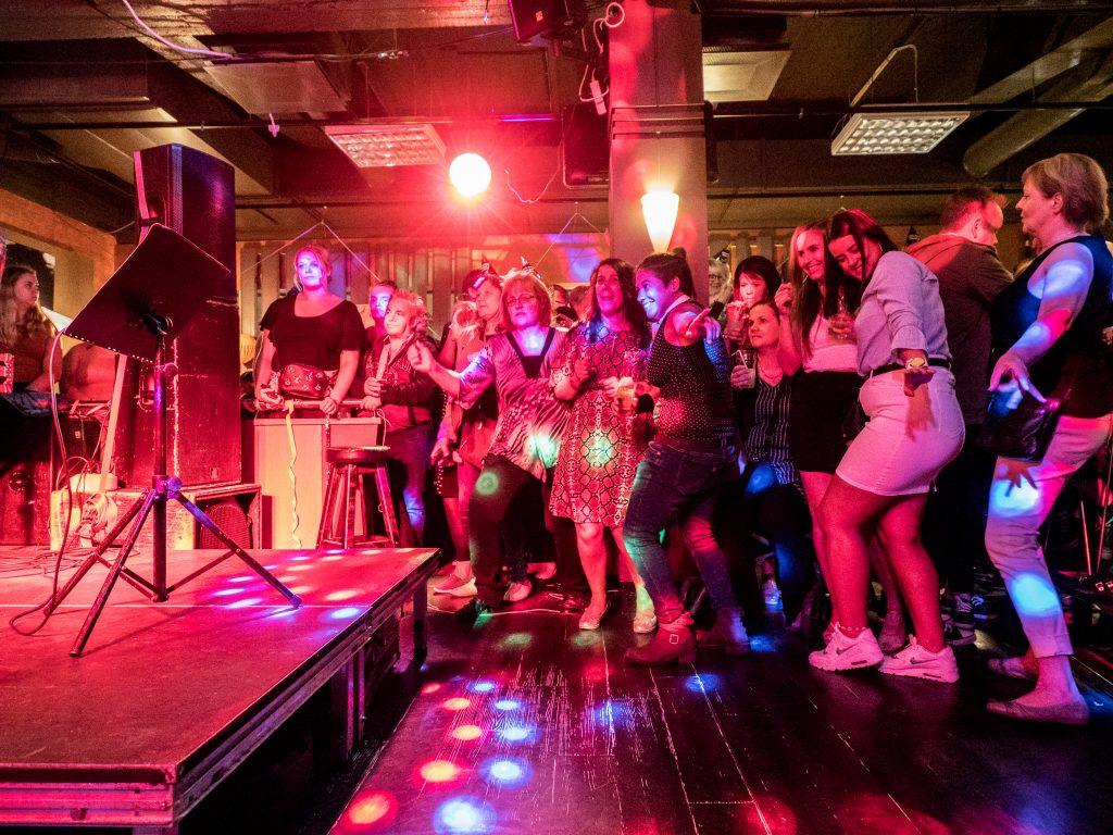 Tiikerihai karaokeravintola